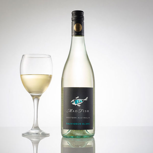 Mad Fish Sav Blanc with Glass FREE Online Wine Delivered